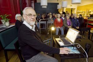 Föreningen Hälsingegårdar hade bjudit in före detta överlantmätare Bengt-Olof Käck för att berätta om Lantmäteriets söktjänst Historiska kartor.