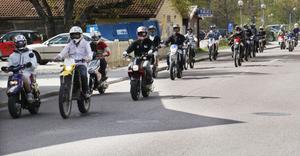 De gamla förarbevisen för EU-mopeder ersätts av ett riktigt körkort med behörighet AM.