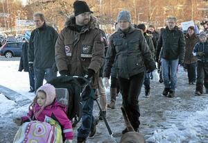 Fredrik Hedén och Ida Nilsson tycker att barngrupperna är tillräckligt stora som de är idag. Därför var de med och demonstrerade.