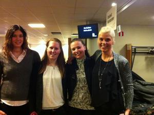 Kollegorna Erica Bengtsson, Mia Pettersson, Emma Kåbing och Louise Haaga, Västerås, var imponerade av föreställningen.- Det var helt otroligt! Och så frustrerande när man inte kan lista ut hur de gör.