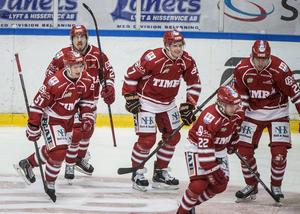 Niklas Andersson har haft en rolig tid i Timrå IK. Fyra segrar på fyra matcher har det blivit så här långt. En målgivande passning har han också hunnit med.