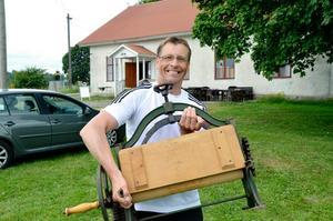 Starka armar. Långt från manglad var Peter Johnsson när han bar sitt fynd till bilen.