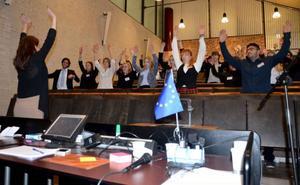Ungdomar från hela Norrland, som längst från Övertorneå, hade hittat till Östersund och helgens session i Europeiska ungdomsparlamentet.