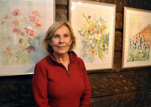Maud Bergstedt visar sina akvareller på Galleri Södergården i hembyn Undersåker.