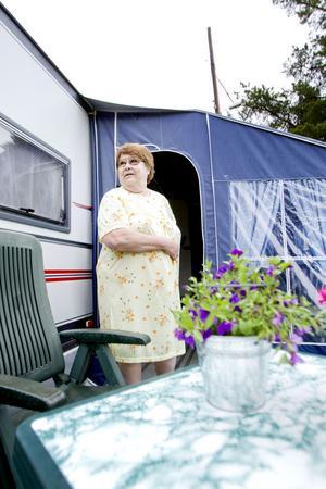 Gunilla Pettersson hoppas på bättre väder vid Engesbergs camping.