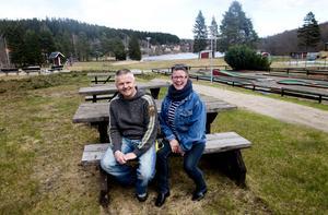 Michael och Lena Edlundh brinner för hembygden och ser fram emot att driva kiosken på Dyket i sommar.