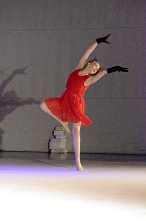Tango. Tioåriga Maja Svensson knep  oktober en bronsmedalj på SM i rytmisk gymnastik för ungdomar. Här bjöd hon på