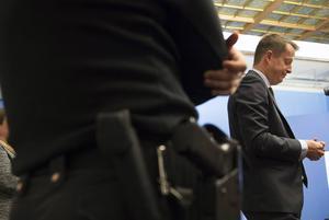 Ygeman får loss en kvarts miljard till polisen, men det är långt från tillräckligt.