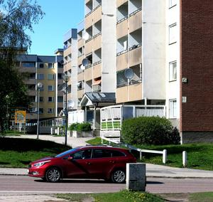 Norra Köpmangatan 22 är det första huset som görs om i förnyelsen av Nordost. Byggställningarna beräknas komma upp i slutet av juli och lagom till jul ska allt vara klart. foto: jan sundström