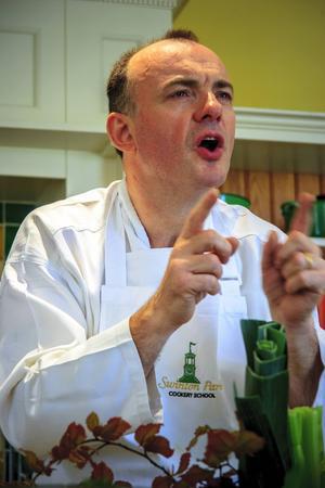 Simon Crannage är kökschef på Swinton Parks restaurang och något av en expert på ätbara vilda växter.   Foto: Reine Hefvelin