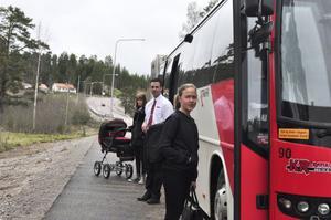 Tio i tio på förmiddagen går bussen denna dag mot Falun. Tio över två på eftermiddagen går den tillbaka. Under den tiden hinner man handla och uträtta andra ärenden.