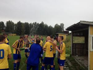 Seger i derbyt på Dyltavallen. Axbergs IF-Ervalla SK 1-3. Ervalla vinner serien och spelar i div 5 nästa år.