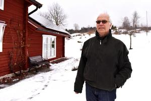 Att påstå att Leif trivs i Mickelvål vore en underdrift.