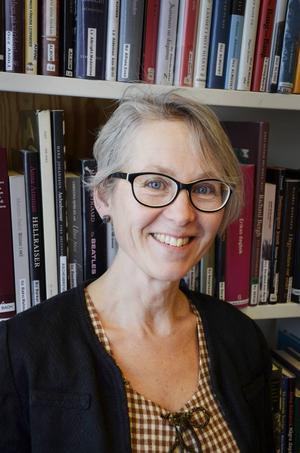 Gunhild Åkerblom är en av konstnärena bakom helgens land art-utställning.
