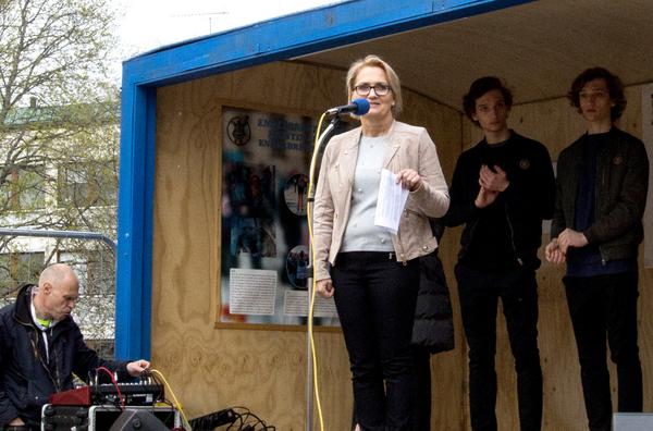 Kristina Leijonhufvud talade under invigningsceremonin. Efteråt är hon mycket nöjd med dagen:
