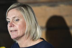 Finansminister Magdalena Anderssons (S) dubbla budskap visar att de starka regeringarnas tid är förbi.