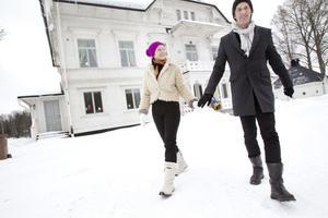 Sanna Rudling och Teo Härén vill hjälpa oss att se det romantiska i Älvkarleby.