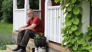 Hemma på gården. Gunnar Rosén ser närmast fram emot att åka på spelmansstämma i Ransäter, sedan väntar Naturskyddsföreningens riksstämma i Örebro.