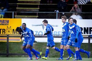 Sollefteå tog femte raka vinsten i årets division 3. Segern säkrades när ösregnet upphörde.