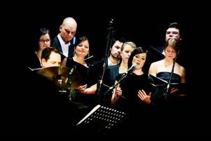 Utmärkt klang från kören Decibel under ett härligt Gershwin program.