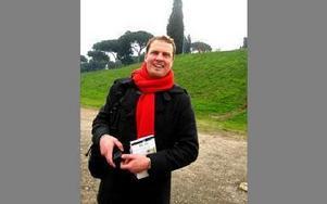 Per Svälas, körsångare och historielärare på gymnasiet S:t Mikaelsskolan var kunnig ciceron i Rom.FOTO: MARIT SVÄLAS