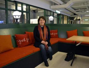 Nina Sandberg Olofsson trivs bra som ny kyrkoherde i Timrå.