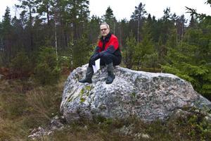 Anders Mellin har gjort en detaljplan med små ingrepp i naturen som möjligt. För att tomterna ska behålla karaktären av   orörd natur.