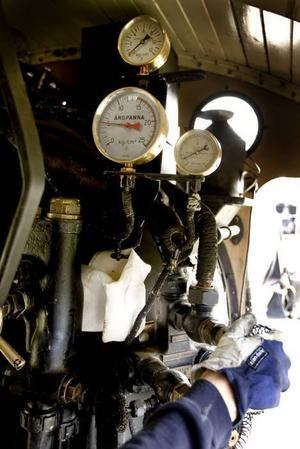 Hett. På sommaren kunde temperaturen stiga upp till 60 grader inne i vagnen, och vattnet i rören kunde stiga till hela 195 grader.