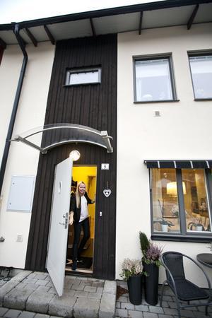 Trivs. Familjen har bott i Hökåsen i ett och ett halvt år, trivs bra men drömmer om att bygga eget hus.