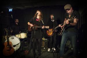 Augusti Ellen Sundberg firade sin skiva