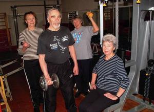 Kerstin Lindberg, Osmo Mattila, Ulla Jonsson och Inez Kämpe, fyra starka pensionärer i Hammarstrand.                                                                                              Foto: Ingvar Ericsson