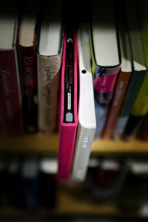 Bibliotekens utlåning av e-böcker till läsplattor har ökat kraftigt.Foto: Scanpix