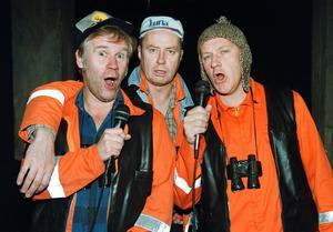 Jan-E, Sven-E och Olle som spelas av Jacob Nordenson, Lennart Jähkel och Tomas Norström.