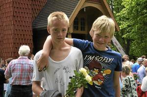 """Syskon. Erik och Edvin Larsson, 13 och 11 år, tar sommarlov – I sommar ska jag träna på volter, säger Erik. Edvin ska """"chilla""""."""