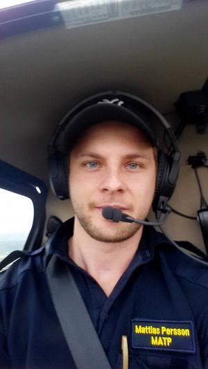 Mattias Persson lämnade hammare och spik för att ta plats vid spakarna.