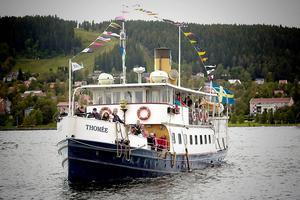 Ångaren Thomée på Storsjötur, sommaren 2011.