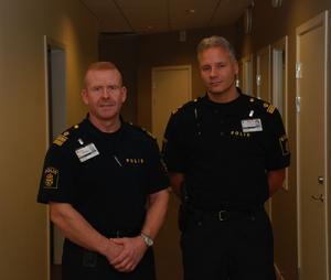Ny polisstation och fler poliser ska minska brottsligheten och göra Hedemora tryggare hoppas polisområdeschefen Mikael Gustafsson och nya stationsbefälet Stefan Engström. Foto:Rolf Sundblad