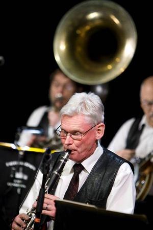 Barfota Jazzmen inledde i går jazzsäsongen  i Östersund med en ragtime-konsert, som förde lyssnarna tillbaka till jazzens förhistoria.Foto: Håkan Luthman