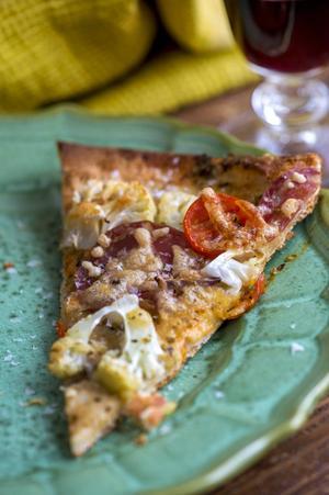 Snabbpizza med kylskåpsfynd - en räddare i nöden.