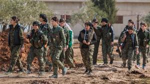 Kvinnliga soldater i den kurdiska milisen, YPG.
