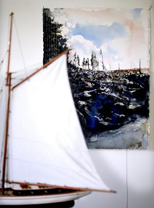 Den bohuslänska kusten och den värmländska skogen återkommer i Lars Lerins motivvärld.