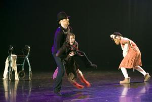 Balettakademien satsade allt på scenen.