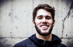 Tyler Peters, närmast från Wheaton College, en division 3-skola i nordöstra USA.
