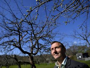 Dave Goulson, professor i biologi, har ägnat sitt yrkesliv åt humlor. Nu kommer hans underhållande bok