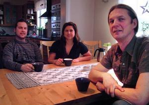 Tobbe Wikander, Hanna Svenningsson och Larz Danielsson ser fram emot nypremiären av Allt för byn i Östersund i februari.Foto: Ingvar Ericsson