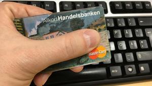 Vanligt sunt förnuft stoppar många kortbedrägerier. Använd inte kortet på osäkra webbutiker, använd med försiktighet på auktionssajter och är ett erbjudande för bra för att vara sann, så är den allra oftast det.