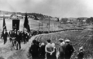 Demonstrationståget i Ådalen den 14 maj för 80 år sedan.