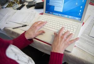 Nio av tio svenskar över tolv år använder internet.