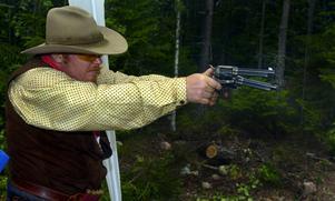 Gunfighter. I helgen arrangerades Westernskyttetävlingen
