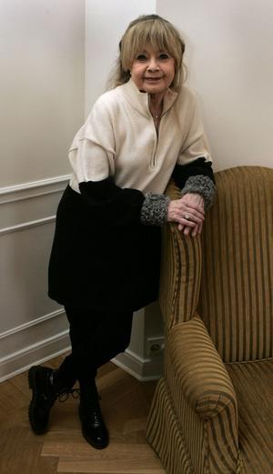Lena Nyman död, 66 år gammal, februari.